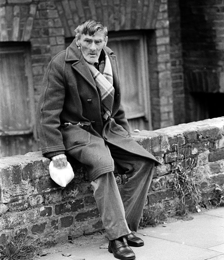 Mile End Road 1979, pensioner